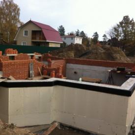Строительство цокольного фундамента в частном доме